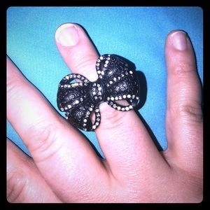 Beautiful TORRID stretchy crystal bow ring